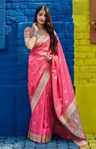 Ever-green Light Pink Color Patola Banarasi Silk Weaving Rich Pallu Saree Blouse For Wedding Wear