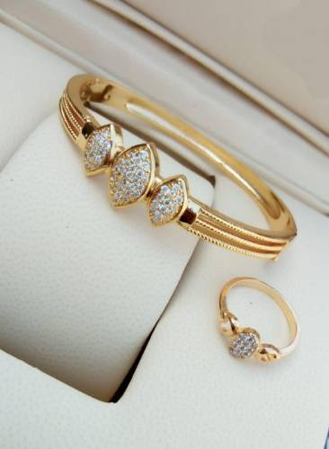 Beautiful Golden Colour American Diamond Bracelet & Ring KLP317